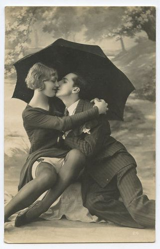 Biederer Parasol UMBRELLA Romance French Nude original old 1920s photo postcard