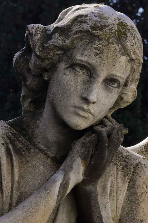 The Different Types of Guardian Angels - LovePsychic Cheap Outdoor Statues # Cemetery Angels, Cemetery Statues, Cemetery Art, Statue Ange, Renaissance Kunst, Greek Statues, Outdoor Statues, Art Sculpture, Clay Sculptures
