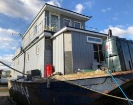 Houseboat For Sale 70ft House Boat Floating House Large Open Plan Kitchens