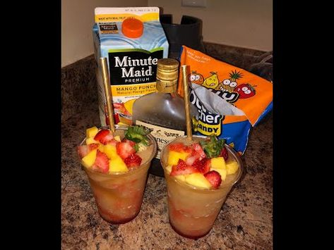 How to make HennyThanGo's Alcohol frozen drink (How to make) Candy Alcohol Drinks, Mixed Drinks Alcohol, Alcohol Drink Recipes, Liquor Drinks, Alcohol Punch, Alcoholic Punch Recipes, Frozen Drink Recipes, Henny Drinks, Recipes