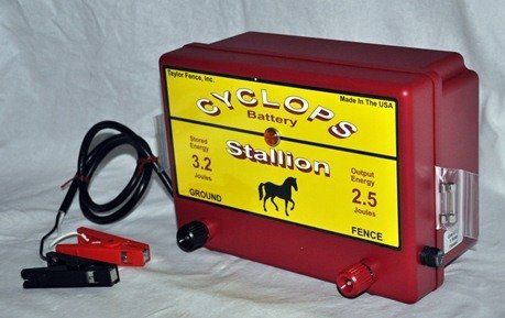 Cyclops Stallion 12v Battery Dc Powered 2 5 Joule Electric Fence Charger Up To 25 Acres Fence Charger Electric Fence Solar Electric