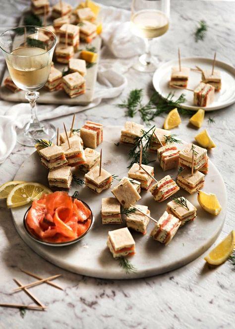 des amuses bouches apéritif sans cuisson au saumon fumé et au fromage à la crème à l'ail
