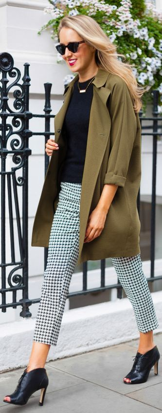Topshop Black And White Houndstooth Crop Trousers by The Classy Cubicle