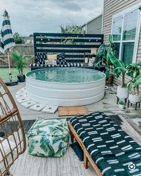 21 inspiring patio ideas to spruce up your backyard Small Backyard Pools, Backyard Patio, Small Pools, Backyard Storage, Pool Decks, Outdoor Storage, Outdoor Spaces, Outdoor Living, Outdoor Toys