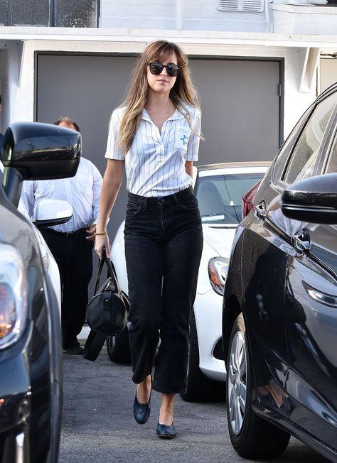 Simple but perfect! Not anyone can do that. Dakota Johnson leaving Mèche Salon in West Hollywood (Jun 21st,2018) Cr. @LifeDJohnson #dakotajohnson