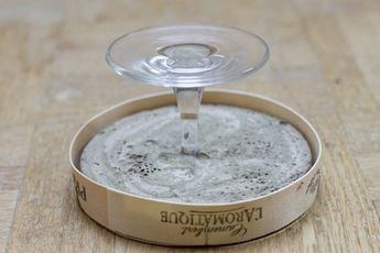 Upcylce broken wine glass broken_glass_foot_stand_cheese_box Icecream lid for concrete