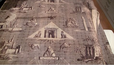 Another View Of Monuments D Egypte An Early Braquenie Toile From The Archives At Pierre Frey Braquenie Wallpaper Deco Paris