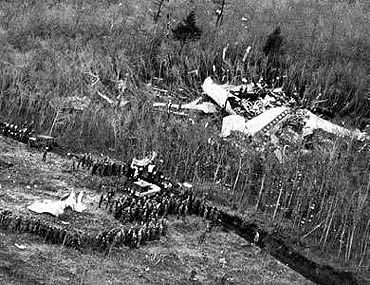 The crash of Japan Airlines Flight 123, on August 12, 1985 is the single-aircraft disaster with the highest number of fatalities: 520 died on board. The aircraft suffered an explosive decompression from an incorrectly repaired aft pressure bulkhead, which failed in mid flight, destroying most of its vertical stabilizer, severing all of the hydraulic lines, making the 747 virtually uncontrollable. Pilots were able to keep the plane flying for half an hour before crashing into a mountain.