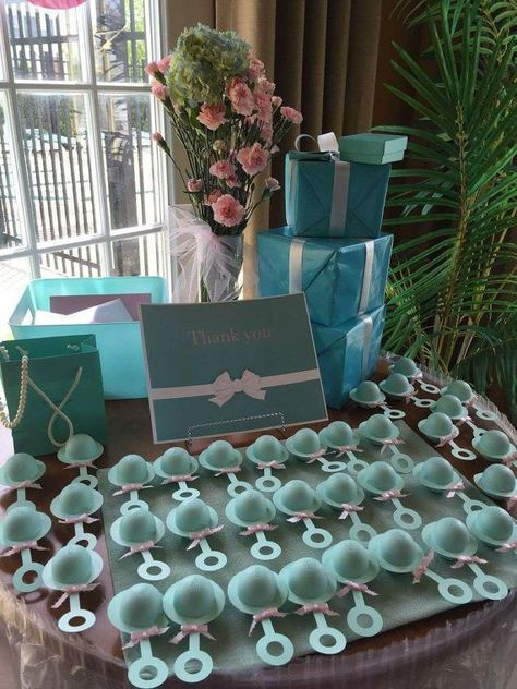 21 Baby Shower Favors Your guests really want to hang on - #favors #guests #really #shower - #DecorationBabyShower