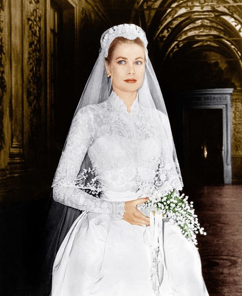 The dress designed by Helen Rose and worn by Grace Kelly for her wedding to Prince Rainer III of Monaco in 1956 is thought of as one of the most iconic bridal gowns of all time. Helen Rose, Royal Brides, Royal Weddings, Lace Weddings, Royal Wedding Gowns, Celebrity Wedding Dresses, Celebrity Weddings, Famous Wedding Dresses, Catholic Wedding Dresses