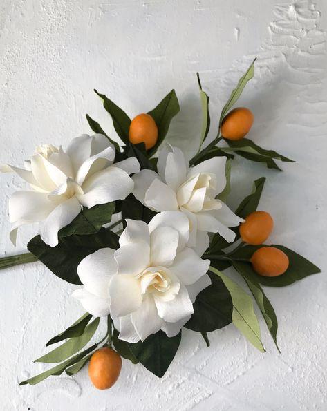 Crepe Paper Flowers Tutorial, Crepe Paper Roses, Paper Flowers Craft, Flower Crafts, Fabric Flowers, Sugar Flowers, Flower Pictures, Planting Flowers, Floral Arrangements