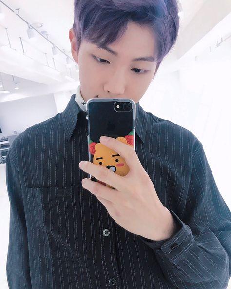Namjoon + mirror selfies 💗💐