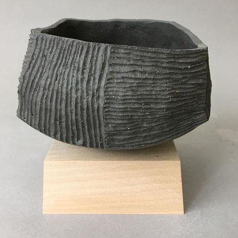 "francesc burgos on Instagram: ""#chawan #teabowl #ceramic #handmade #oneofakind #contemporaryceramics #contemporarycraft #studioceramics #teaceremony #chanoyu #ceramica…"""