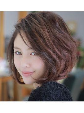 ボブヘア くせ毛で広がる人でも似合う髪型21選 最新ヘアスタイル