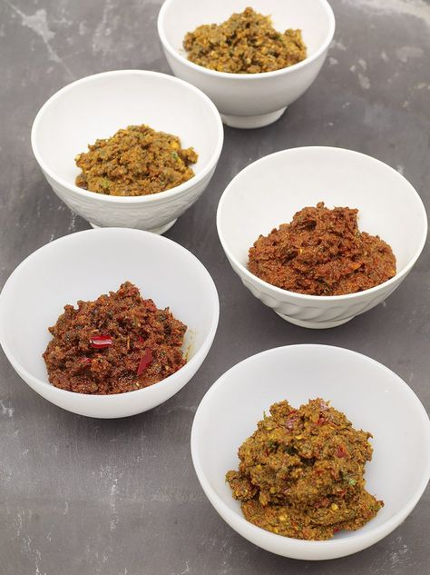 5 easy homemade curry pastes - made the rogan josh paste and it had some heat! Really good though...