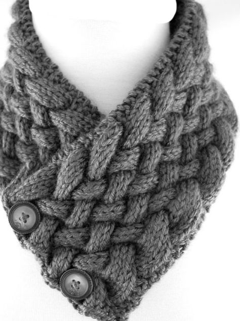 Neck Warmer In Diagonal Woven Cable PDF Knitting Pattern Is not a finished product. It is a PDF Pattern with instructions to do it yourself - Kapuzenschal Stricken