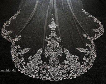 Lamnhibridals Par Lamnhibridals Sur Etsy Colored Wedding Dresses Sparkle Veil Lace Veils Bridal