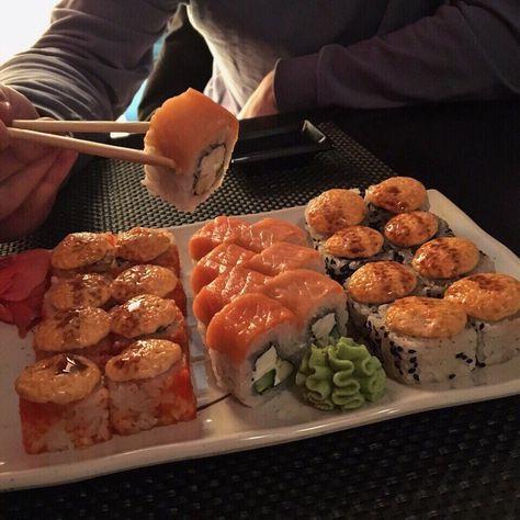 Imagem de sushi and food Imagem de sushi and food Related posts: 18 SUSHI RECIPES – The Lifestyle Hacks Think Food, I Love Food, Good Food, Yummy Food, Comida Picnic, Food Porn, Comfort Food, Food Goals, Aesthetic Food