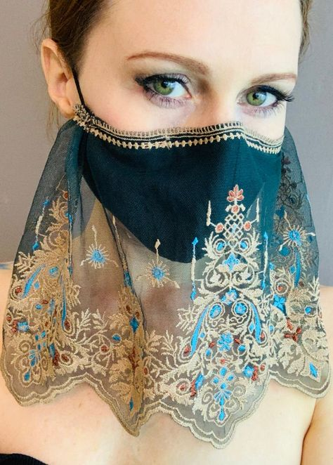 Mouth Mask Fashion, Fashion Mask, Gold Fashion, Diy Fashion, Easy Face Masks, Diy Face Mask, Gold Face Mask, Halloween Face Mask, Diy Mask