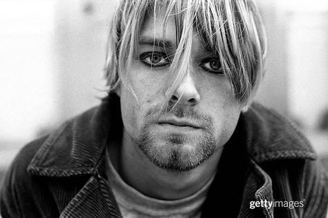 """Getty Images Entertainment(@gettyentertainment)Instagram: 「""""I'd rather be hated for who I am, than loved for who I am not."""" - Kurt Cobain _ Nirvana front-man…」"""
