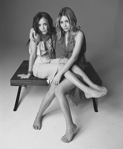 Mary-Kate & Ashley Olsen Photo: 2004 - Seventeen Magazine - mary kate and ashley, perhaps SN on the TR line?