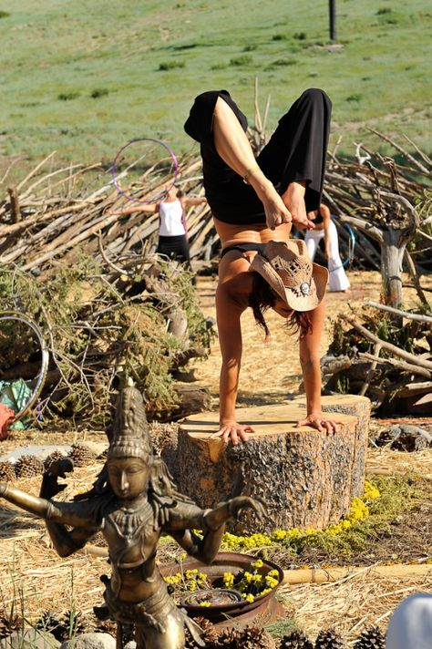 Photo from wanderlust festival in cali. want to go so bad! Loved and Pinned by www.downdogboutique.com to our Yoga community boards