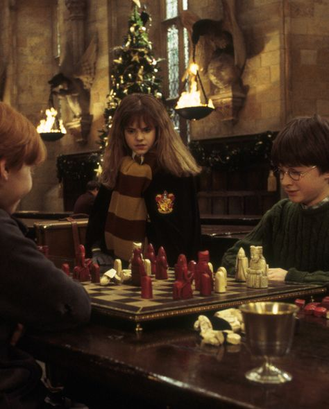 Ranked: Harry's Christmases from the Harry Potter books   Wizarding World