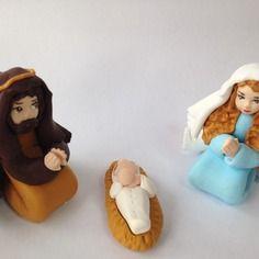 Santons de provence crèche de noël en pâte fimo : marie, jésus et