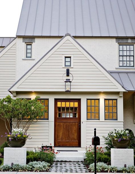 49 Most Popular Modern Dream House Exterior Design Ideas 3 In 2020: Sherwin Williams Natural Choice Exterior Paint Color, White House, Cream House, Natural House