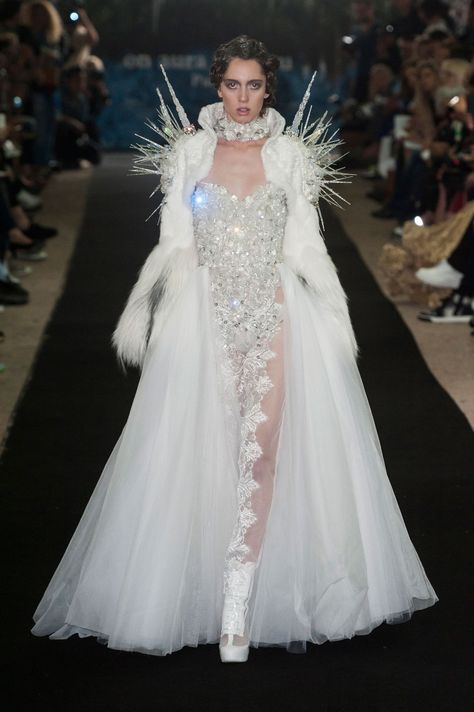 Queen of the Others - On Aura Tout Vu Haute Couture fall 2014