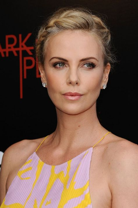 Dress du Jour: Charlize Theron Is a Beacon of Light at the 'Dark Places' Premiere