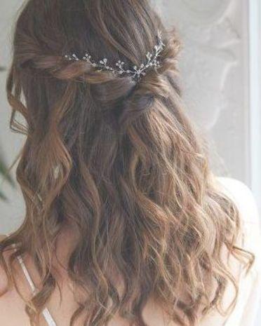 Nadri Short Floral Hair Garland Silver Hair Garland Hair Styles Wavy Wedding Hair