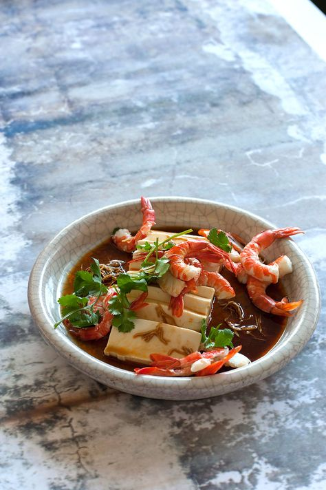 http://www.sbs.com.au/food/recipes/cold-tofu-prawns-and-hot-sour-dressing #hotsourdressing #asian #dressing #recipes #midweekmeal