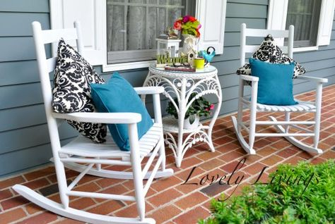 Black, teal & white fun porch decor from Lovely Livings blog. #porch