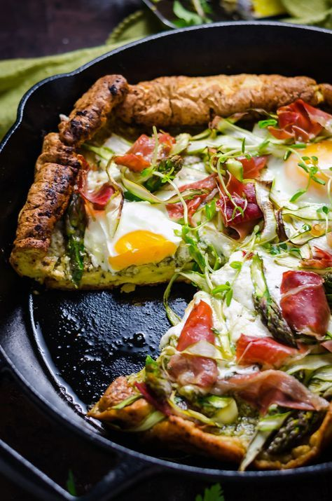 Dutch Baby Pesto Breakfast Pizza This pancakepizza hybrid is loaded up with herbs prosciutto shaved asparagus burrata cheese and eggs Total brunch material Breakfast Pizza, Breakfast Recipes, Dinner Recipes, Dinner Ideas, Gourmet Breakfast, Baby Food Recipes, Cooking Recipes, Healthy Recipes, Simple Recipes