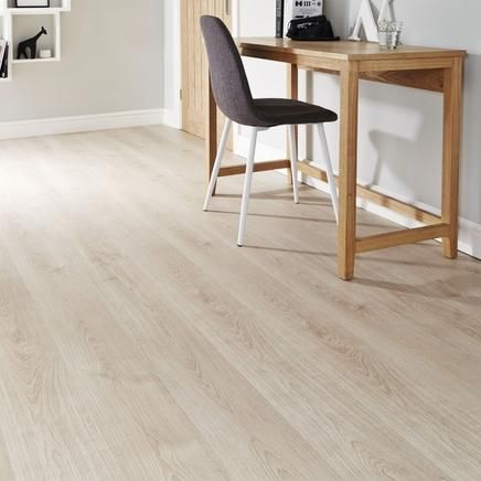 Light Oak Laminate Flooring Types Of, Light Colored Laminate Flooring