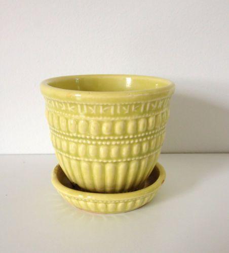 about McCoy Yellow Greek Key Dot Planter Flower Pot with Attached Saucer Vintage Mccoy Yellow Beaded Pattern Planter Flower POT Vase With Saucer
