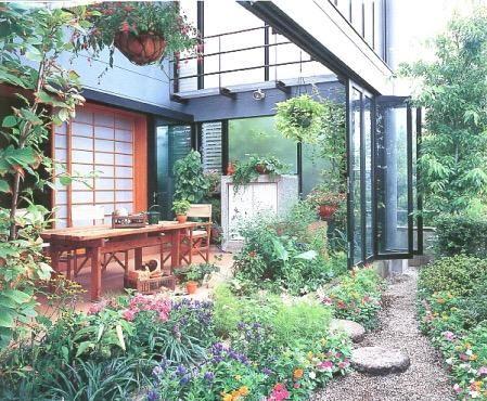 雨でも家の中でバーベキュー 全天候型アウトドアリビングの家の写真1