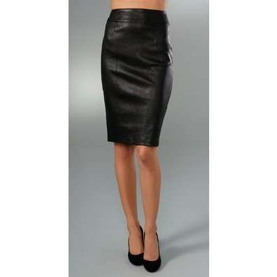 Who doesn't love a main staple, like the pencil skirt, in leather? Yum!