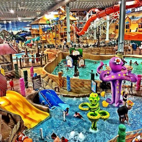 Kalahari Resorts, Pocono Mountains, PA Epic Indoor Water Park and Resort King sized suite with hot tub