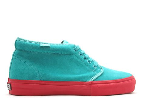 7e42e509d76db4 chukka-boot-formula-1 2007 - The History of Supreme x Vans Sneaker  Collaborations