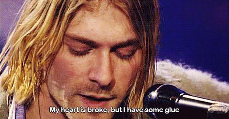 """""""Meu coração está quebrado. Mas eu tenho um pouco de cola."""""""