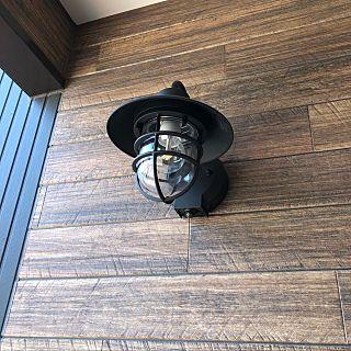 玄関 入り口 玄関照明 マリンランプ ブルレウッドii ケイミュー外壁 などのインテリア実例 2018 04 27 18 48 12 Roomclip ルームクリップ 玄関灯 ランプ 照明