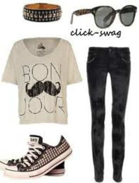 """Outfit for school / tenue d'ecole/college/lycee ( tee shirt à manches courtes """"bonjour"""" ~ slim noir ~ converses noires cloutées ~ bracelet noir/or )"""