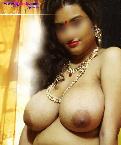 Indian nude aunty boobs