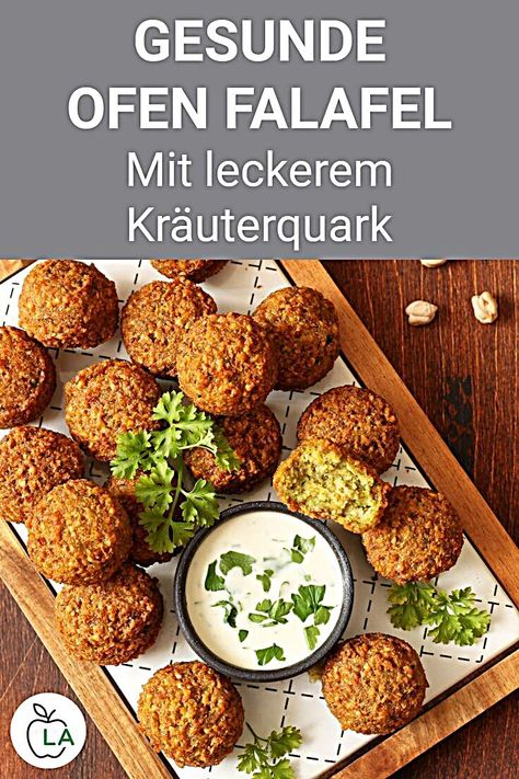 Gesunde Ofen Falafel mit Kräuterquark - Fitness Rezept zum Abnehmen Diese Falafel aus dem Backofen haben deutlich weniger Kalorien, schmecken aber trotzdem super lecker. Hier findest du das einfache Ofen Rezept für zu Hause. - Falafel