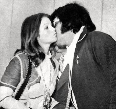 Elvis Presley Priscilla Has Later Revealed What Elvis Whispered Elvis Presley Photos Elvis And Priscilla Elvis Presley