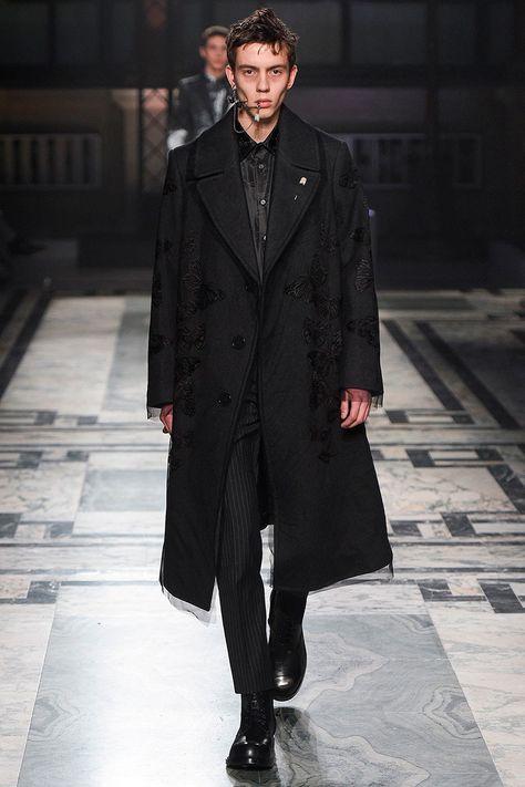 Alexander McQueen Fall Winter 2016 Otoño Invierno #Menswear #Trendes #Tendencias #Moda Hombre - F.Y!