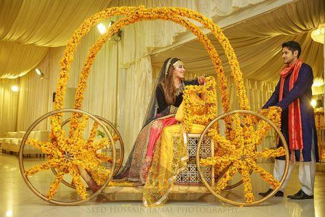 Bride\u0027s mehndi entrance
