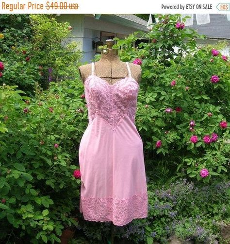 Vintage Valentine 1960s Full Slip. Vanity Fair. Shell Pink with Fancy Lace *Create your own steamy lingerie fantasy with this Vintage Pink Slip!... Elizabeth Taylor as Maggie in Cat on a Hot Tin Roof showed us how to heat up a room wearing her white lace slip and satin high heels and with this